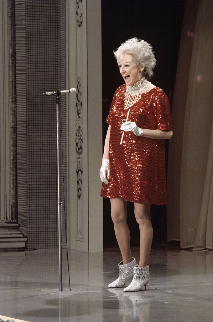 Comedienne and actress Phyllis Diller performs on the Colgate Comedy Hour on May 11, 1967 | Photo: Getty Images