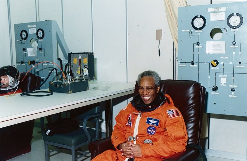 Guion Bluford Jr. at the Kennedy Space Center in Florida on April 28, 1991 | Photo: Getty Images