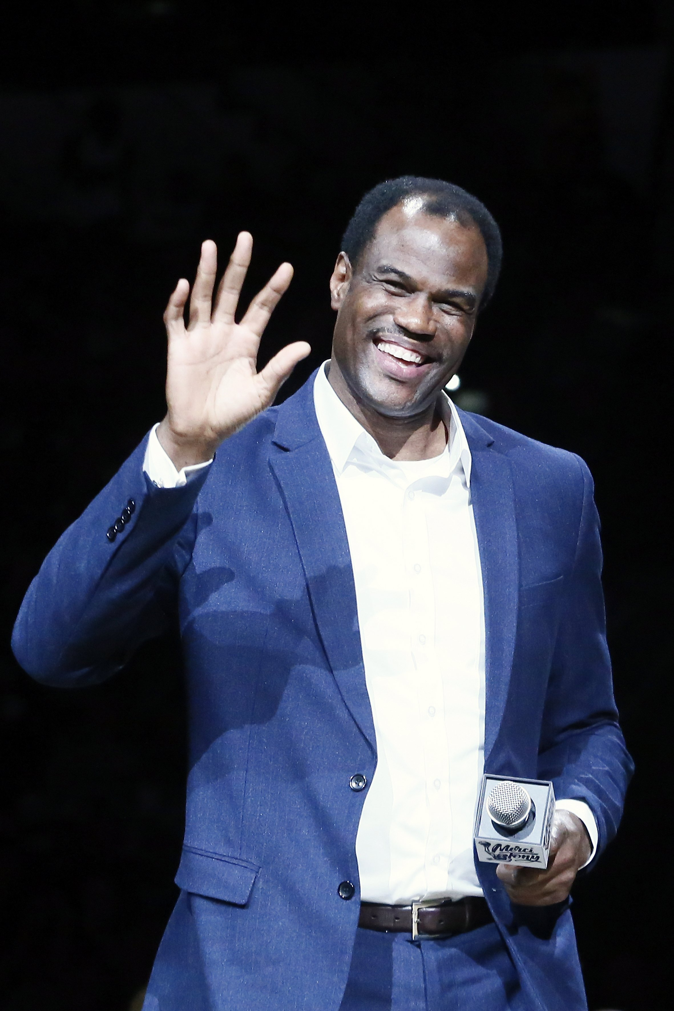 David Robinson, speaks during the Tony Parker jersey retirement ceremony prior to a game between the Memphis Grizzlies and the San Antonio Spurs on November 11, 2019 | Photo: Getty Images