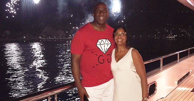 Magic Johnson's Wife Cookie Expresses Her Gratefulness While Posing in a Casual Outfit by the Sea