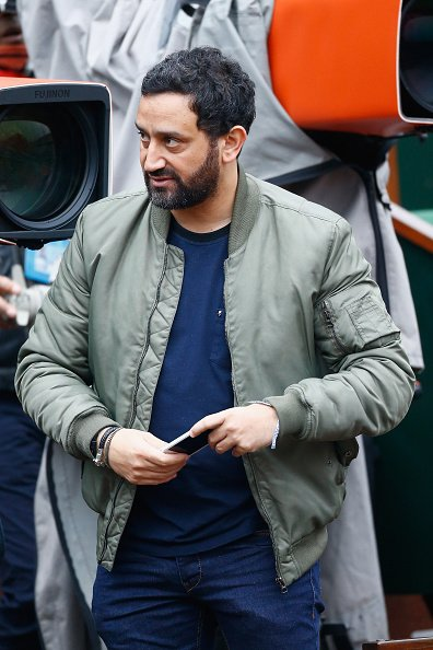 Cyril Hanouna participe à la 8ème Journée Portes Ouvertes du tennis français à Roland Garros le 29 mai 2016 à Paris, France.| Photo : GettyImage