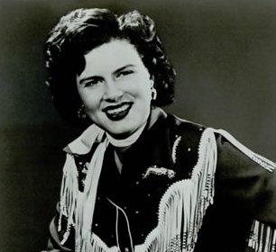 Patsy Cline, circa 1961. | Photo: Wikimedia Commons