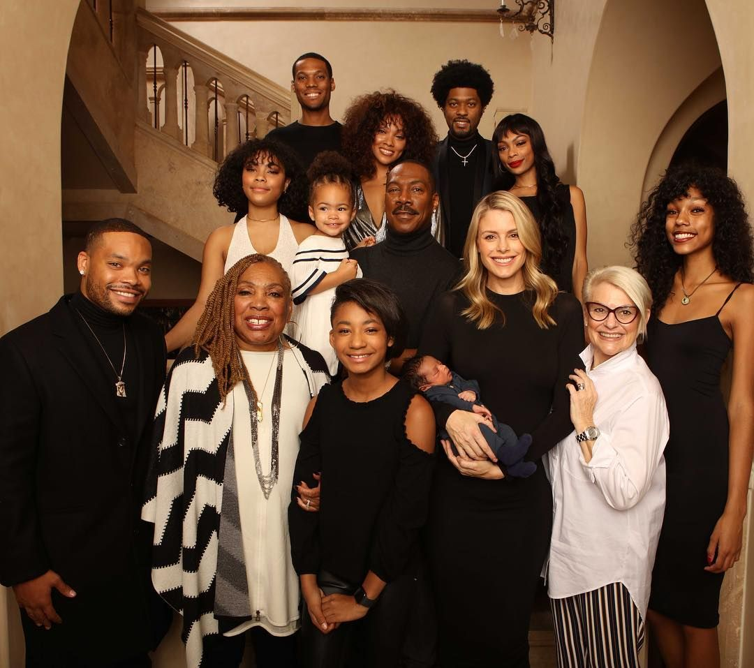 Comedian and actor Eddie Murphy with his 10 children and his fiancé Paige Butch/ Source: Getty Images