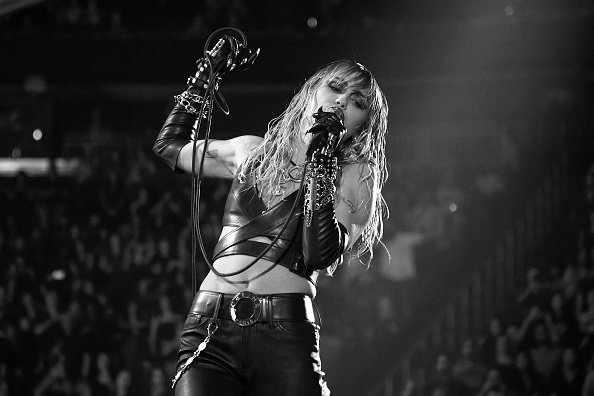 Miley Cyrus performs onstage during the 2019 iHeartRadio Music Festival at T-Mobile Arena in Las Vegas, Nevada | Photo: Getty Images