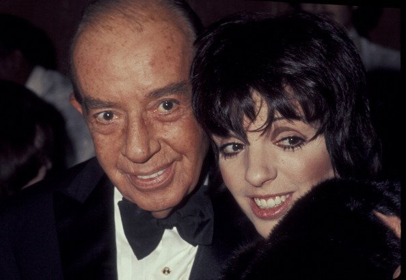 Vincente Minnelli and Liza Minnelli at University of Southern California in Los Angeles, California, United States in 1977. | Photo: Getty Images