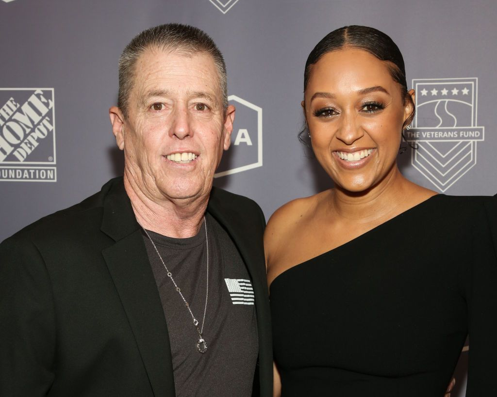 Tia Mowry and her Father Timothy Mowry at The Beverly Hilton Hotel on November 05, 2019 in Beverly Hills, California. | Photo: Getty Images