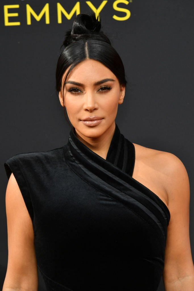 Kim Kardashian West assiste aux Emmy Awards de la création artistique 2019 | Photo: Getty Images