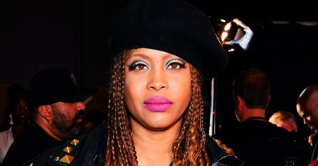 Erykah Badu Shows off Her Rarely Seen Natural Hair as She Shares This Flawless Selfie
