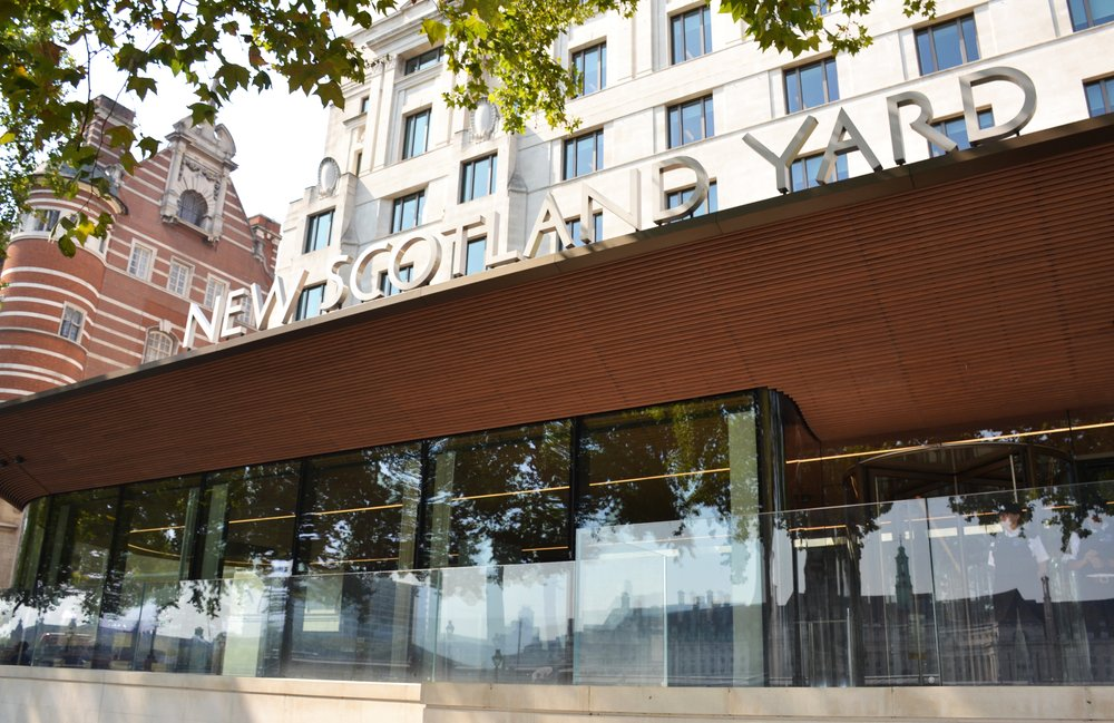 New Scotland Yard, the home of the London Metropolitan Police on Victoria Embankment, Westminster, London onAugust 27, 2019 | Photo: Shutterstock/Arevik
