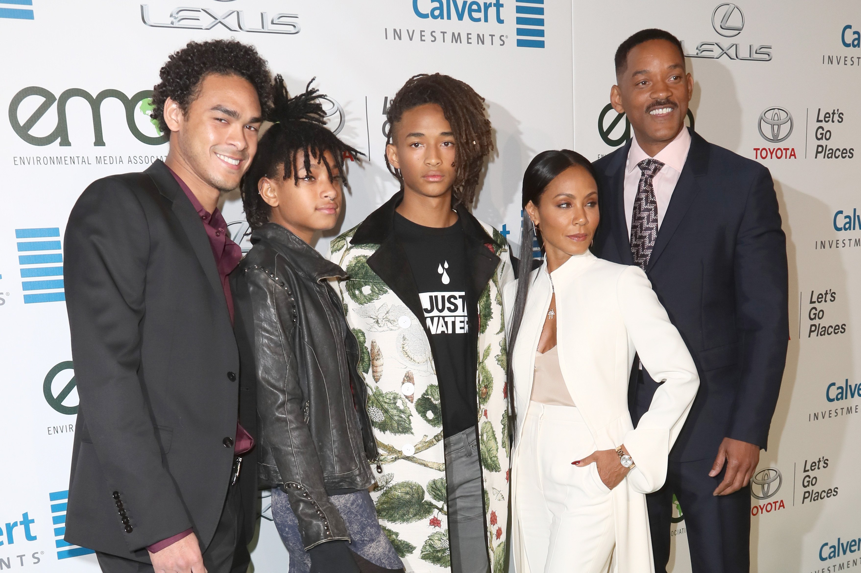 (L-R)Trey Smith, Willow Smith, Jaden Smith, Jada Pinkett-Smith & Will Smith at the 26th Annual EMA Awards on Oct. 22, 2016 in California.  Photo: Getty Images