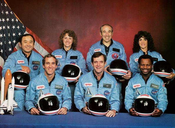 Christa McAuliffe with her fellow crew members in the 1986 space shuttle challenger disaster, circa 1985. | Photo: Getty Images