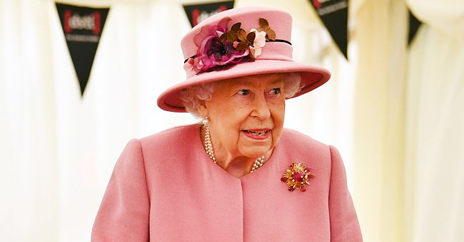 Queen Elizabeth Dazzles in Gorgeous Tiara in Canadian Portrait Taken for the 1st Time in Months