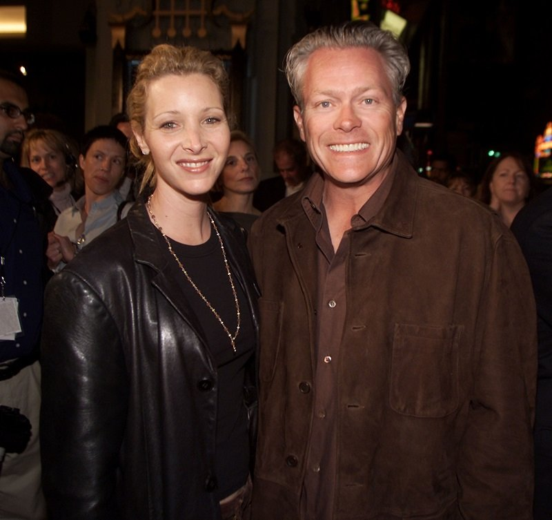 Lisa Kudrow and Michel Stern in Los Angeles on March 11, 2002 | Photo: Getty Images