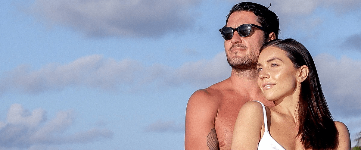 Val Chmerkovskiy Is 'Obsessed' With Jenna Johnson's Rock-Hard Abs & Swimsuit