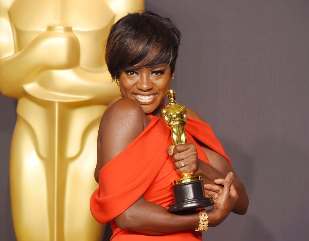 Viola Davis, winner of the award for Actress in a Supporting Role for 'Fences,' poses in the press room during the 89th Annual Academy Awards at Hollywood & Highland Center on February 26, 2017 in Hollywood, California. | Source: Getty Images