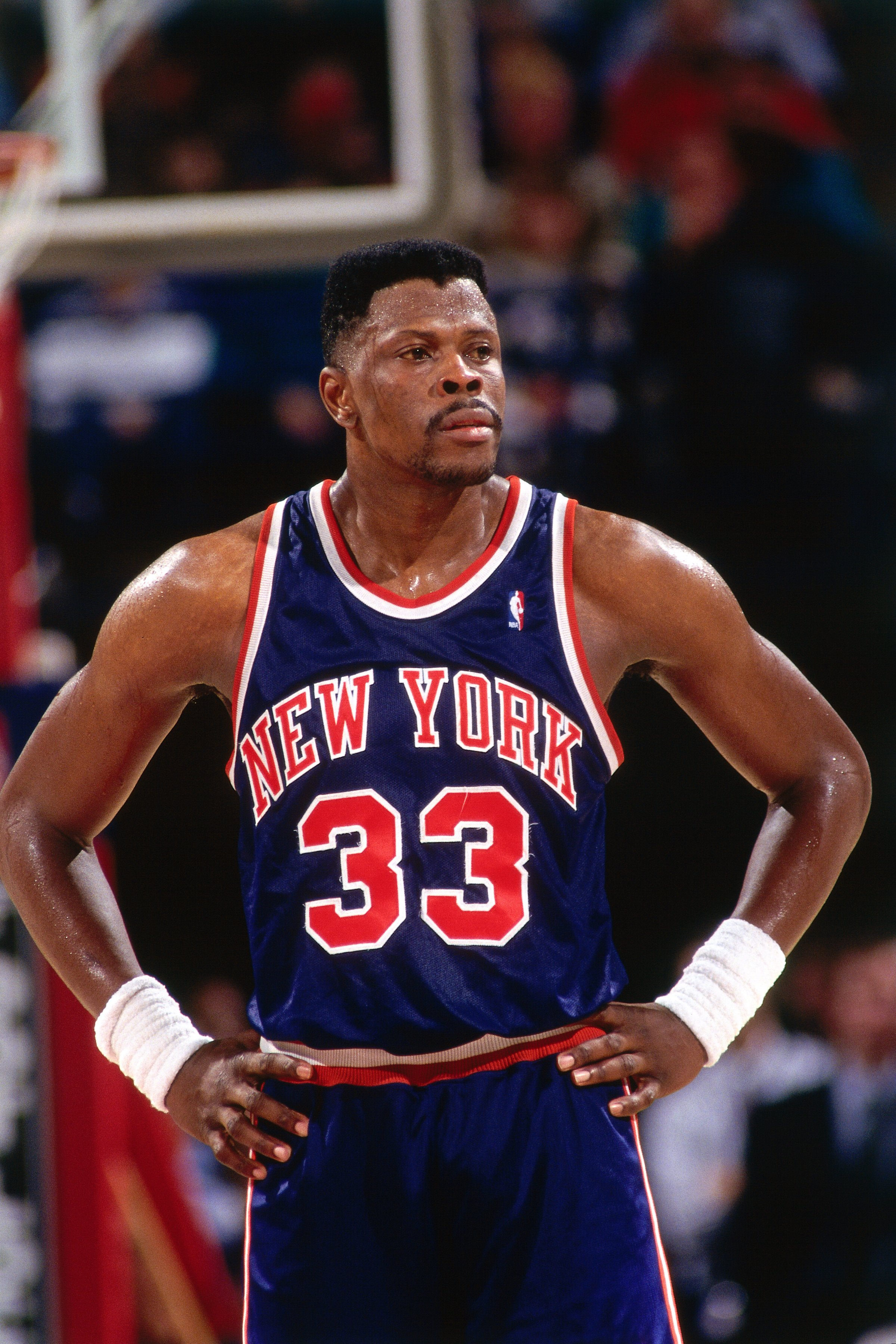 Patrick Ewing #33 of the New York Knicks looks on against the Sacramento Kings on January 12, 1993 in Sacramento, California. | Photo: GettyImages