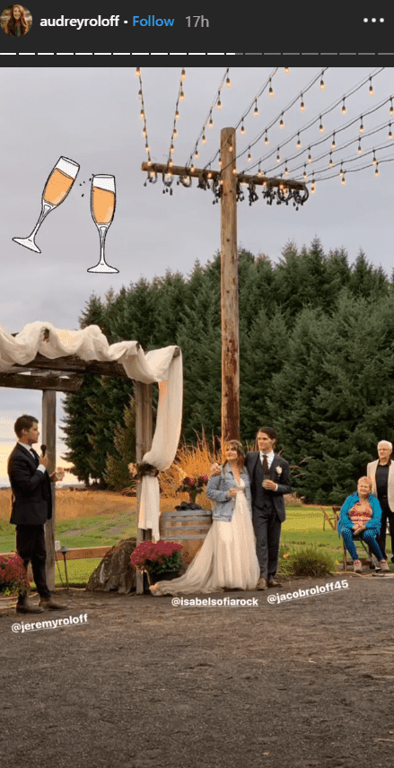 Jeremy Roloff giving a toast at Jacob Roloff and Isabel Rock's wedding ceremony | Photo: instagram.com/jeremyroloff