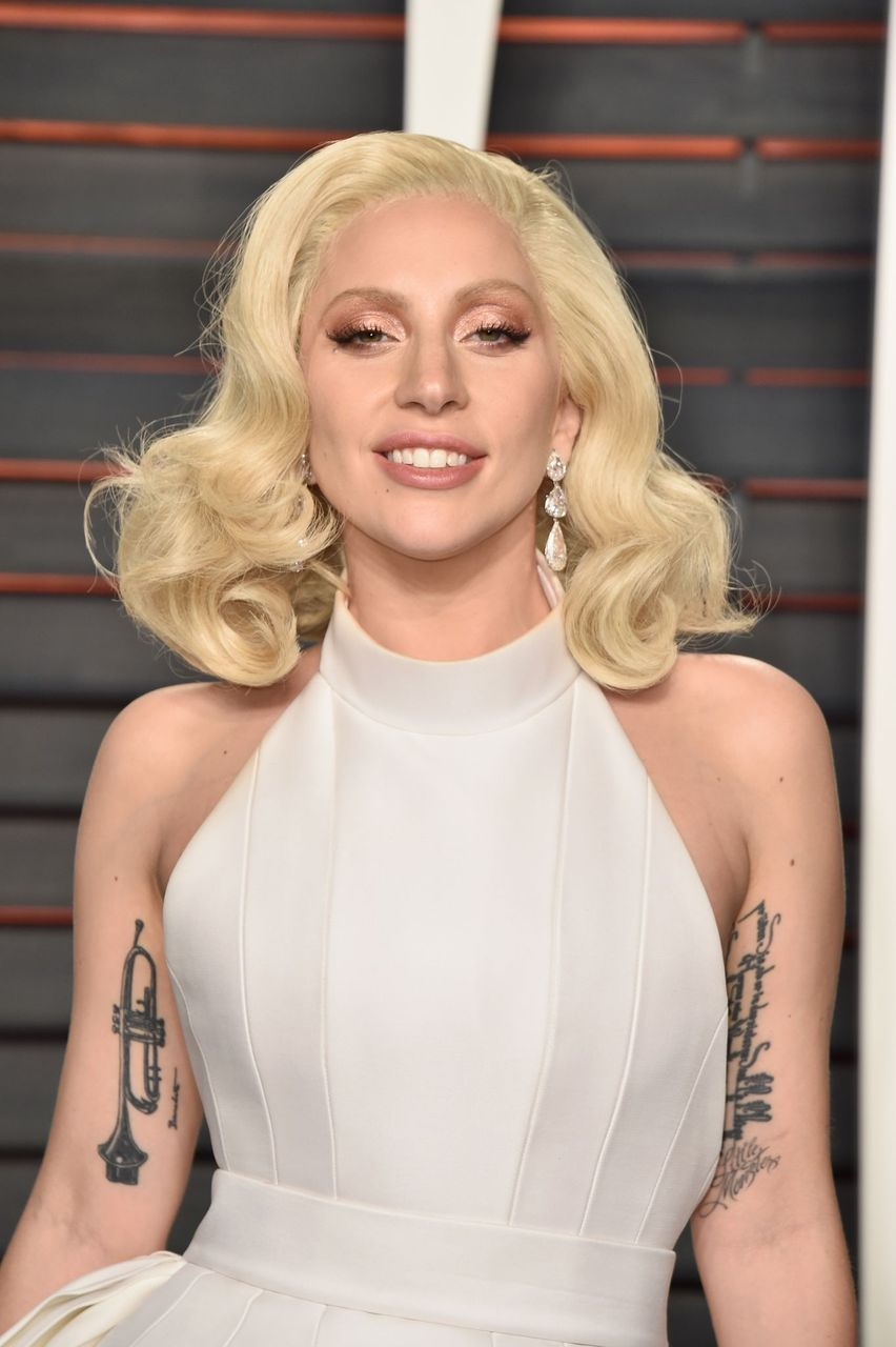 Lady Gaga during the 2016 Vanity Fair Oscar Party Hosted By Graydon Carter at the Wallis Annenberg Center for the Performing Arts on February 28, 2016 in Beverly Hills, California. | Source: Getty Images