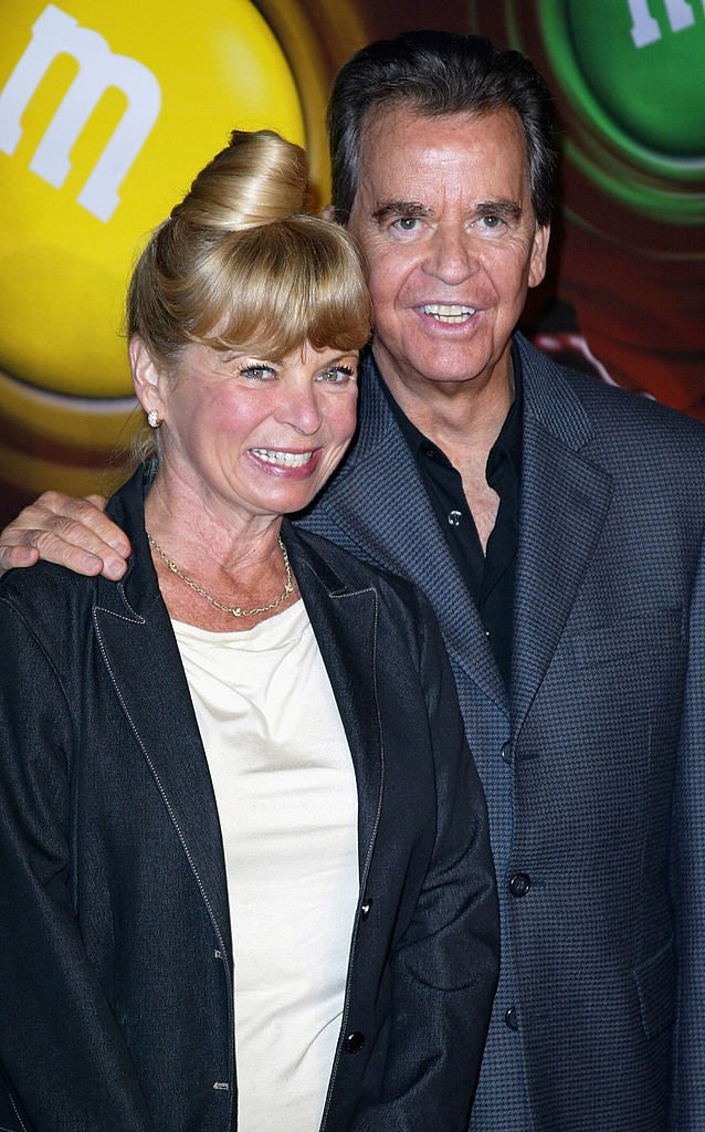 Dick Clark and Kari Wigton at the The M&M's Brand City party on March 11, 2004 | Photo: GettyImages