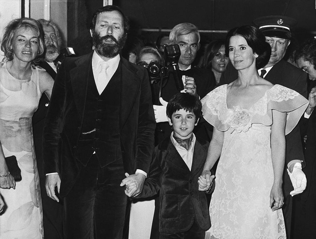 Marie-José Nat, Michel Drach et leur fils David Drach le 27 mai 1974 à Cannes. l Source : Getty Images