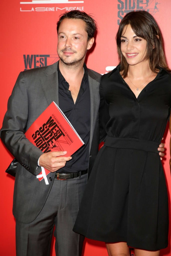 "Davy Sardoux et son épouse Noémie Elbaz assistent à ""West Side Story"" 