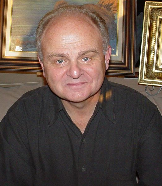 Gary Burghoff at a convention.   Source: Wikimedia Commons