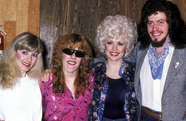 Stella Parton, Freida Parton, Dolly Parton, and Floyd Parton at Bearsville Studios in North Hollywood, California on January 15, 1981. | Photo: Getty Images