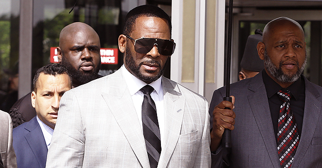 R. Kelly Reportedly Wants Computer in Jail to Finish Album While Awaiting Trial