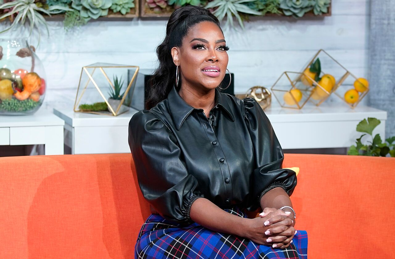 "Kenya Moore during a visit to BuzzFeed's ""AM To DM"" in New York/ Source: Getty Images"