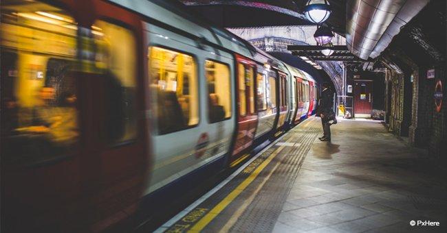 Vater lässt Neugeborenes im Zug und geht raus zum Rauchen, als der Zug plötzlich abfährt