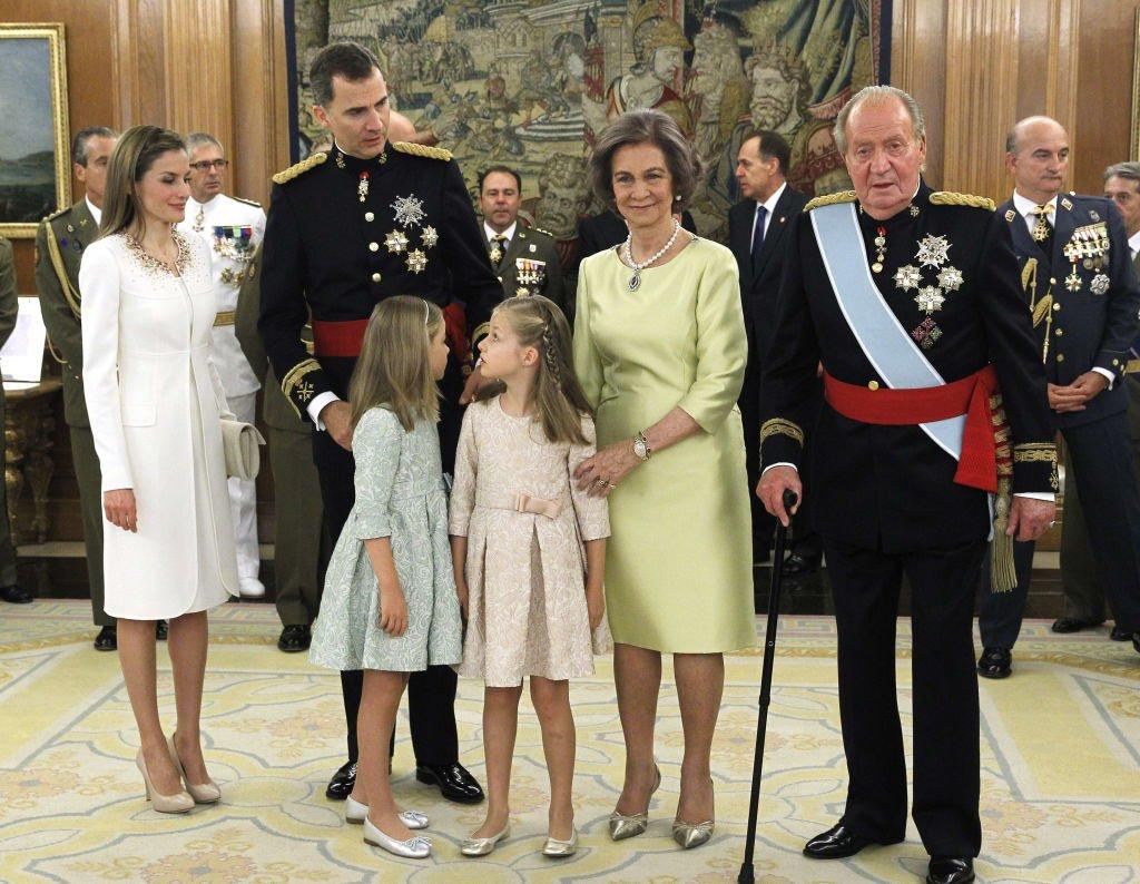 La familia real en la ceremonia de coronación del rey Felipe VI. Fuente: Getty Images