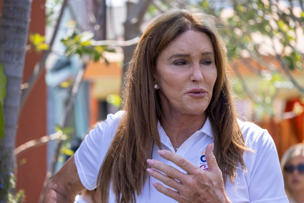 Caitlyn Jenner talks to reporters about homeless issues as she campaigns to overthrow California Gov. Gavin Newsom, August 2021 | Source: Getty Images