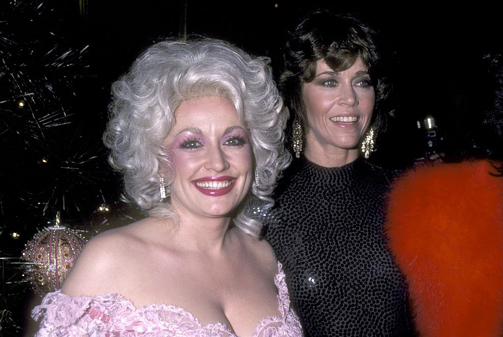 Musician Dolly Parton and Actress Jane Fonda attend the 'Nine to Five' New York City Premiere on December 14, 1980 at Sutton Theater in New York City, New York | Photo: Getty Images