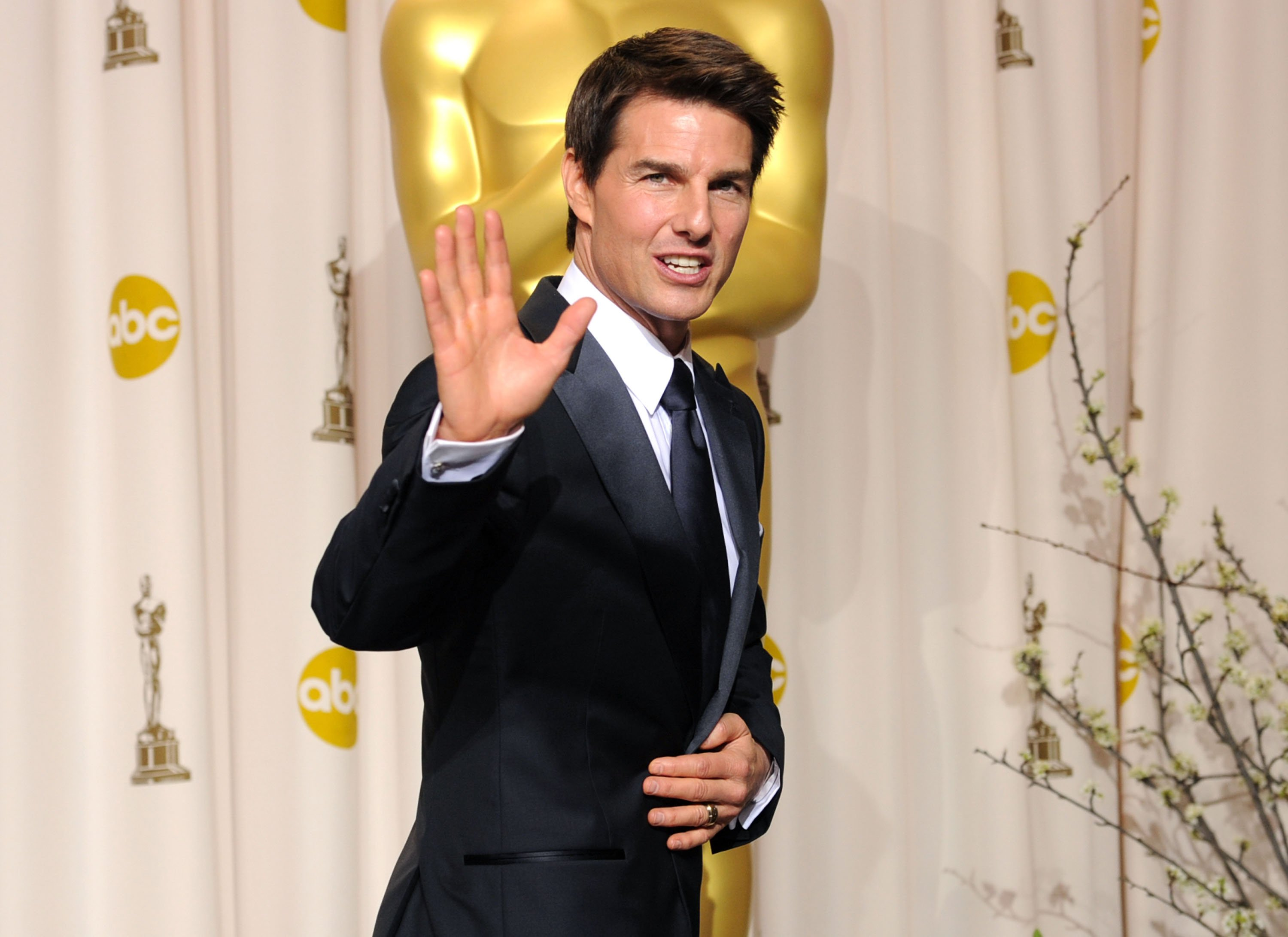 Action star Tom Cruise faces the press during the 2012 Annual Academy Awards in Hollywood, California. | Photo: Getty Images