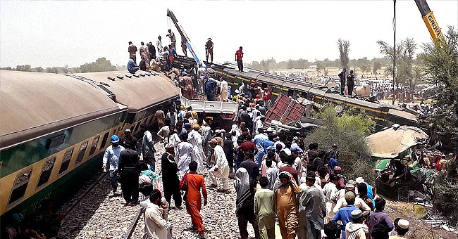 Tragic Collision of Two Trains in Southern Pakistan Leaves More Than 35 Victims
