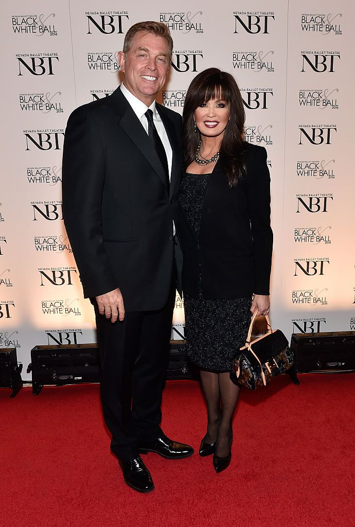 Entertainer Marie Osmond (R) and her husband, Steve Craig, attend Nevada Ballet Theatre's 32nd annual Black & White Ball honoring Olivia Newton-John at Wynn Las Vegas on January 23, 2016 | Photo: Getty Images