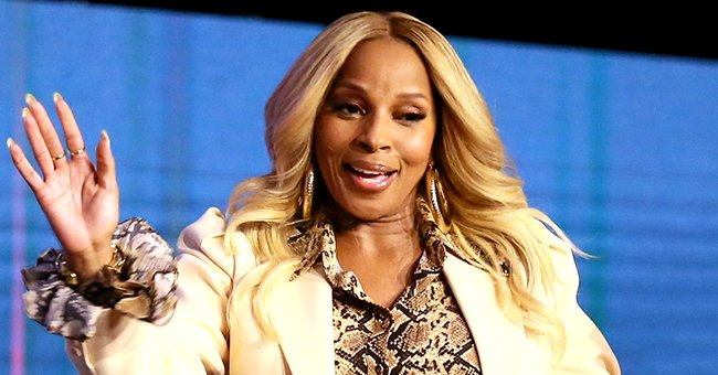 Mary J Blige Displays Her Leg Tattoo Posing in a Rare Photo with Her Look-Alike Sister LaTonya