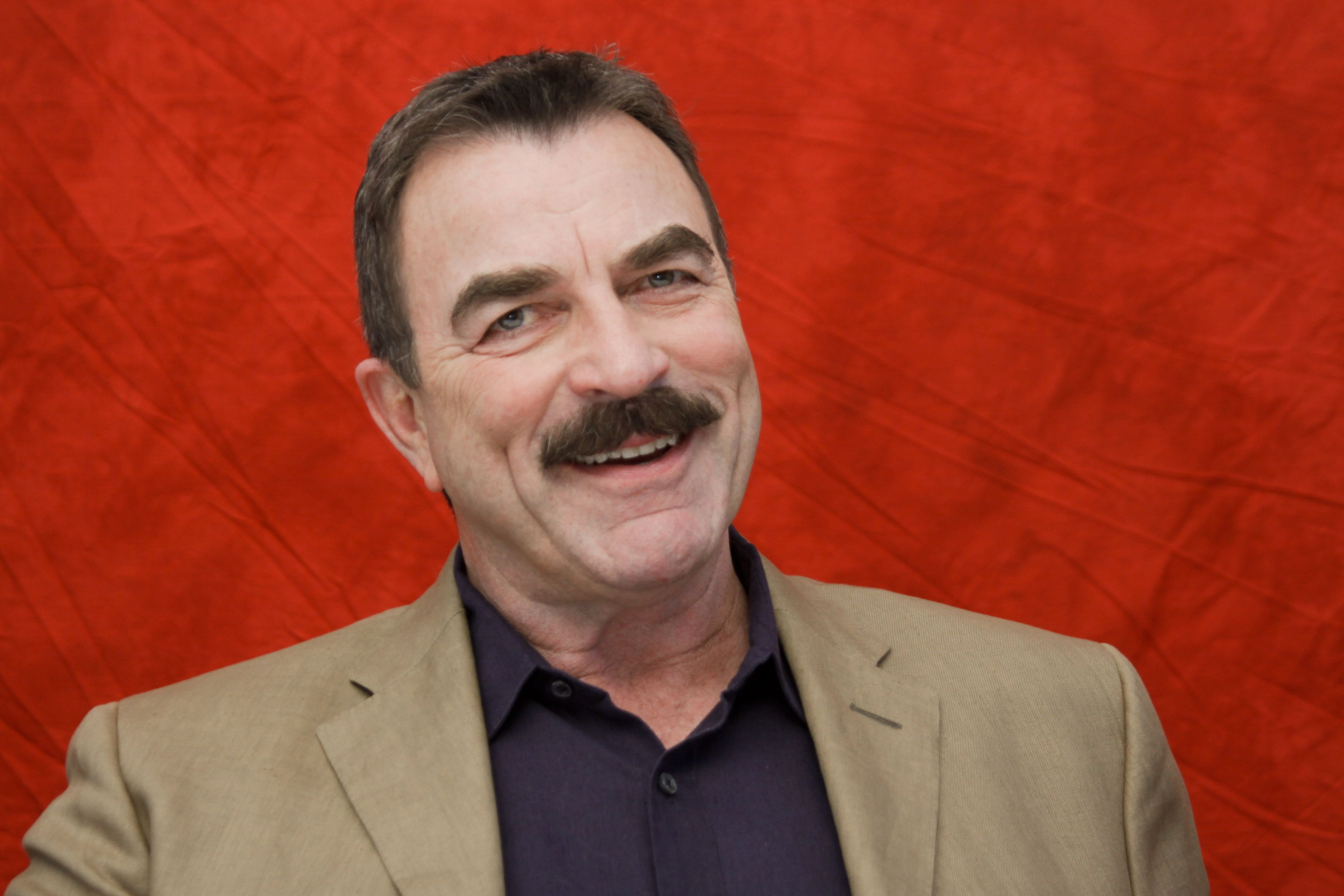 Tom Selleck poses for a photo at a portrait session in West Hollywood, California on August 16, 2010 | Photo: Getty Images