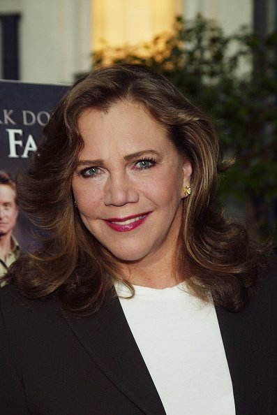 """Kathleen Turner arrives at the New York premiere of the movie """"It Runs in the Family"""" at the Loews Lincoln Square theaters April 13, 2003, in New York City. 