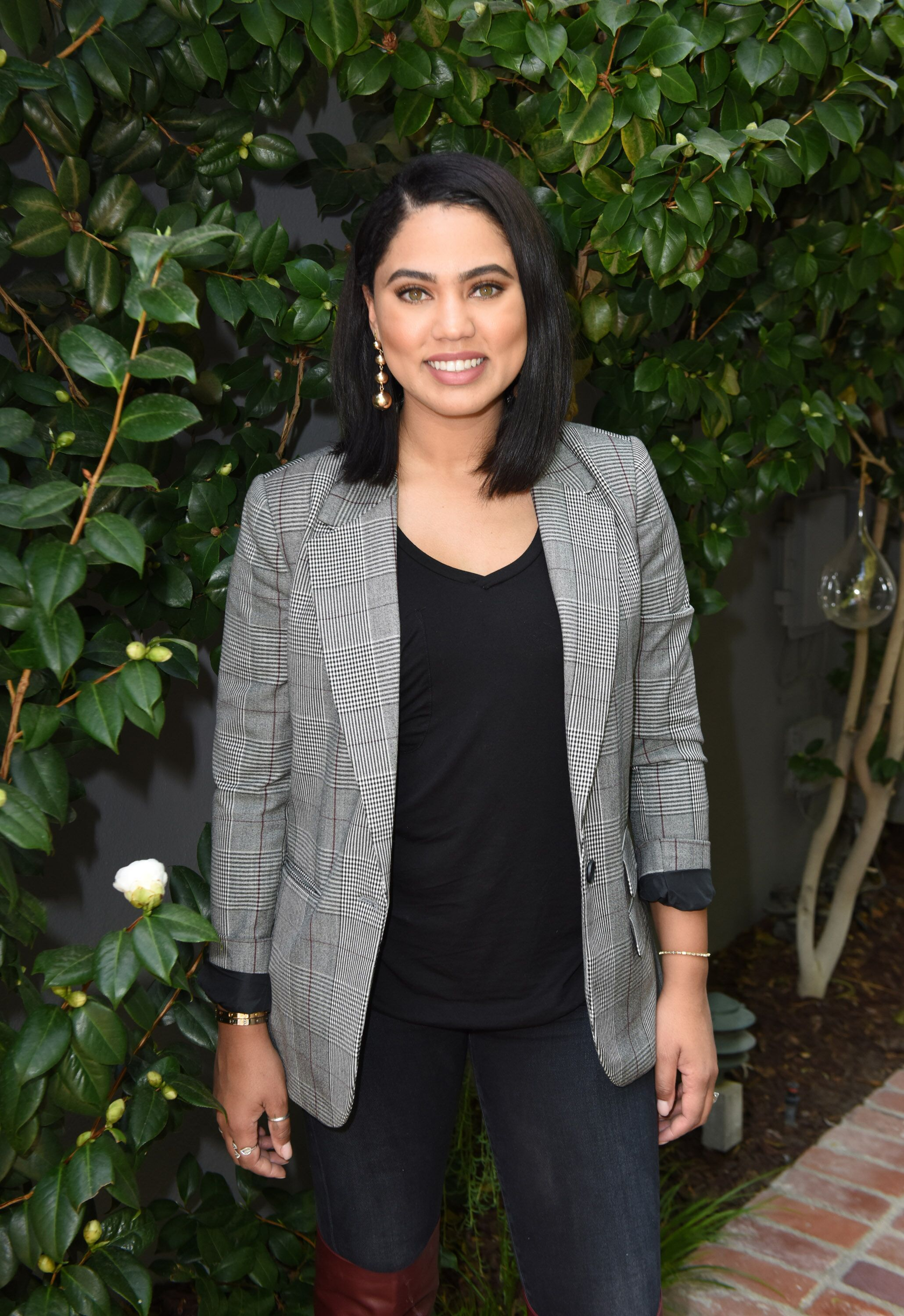 Ayesha Curry attends Glad Let the Love Live On Friendsgiving on November 17, 2017 in Los Angeles, California. | Source: Getty Images