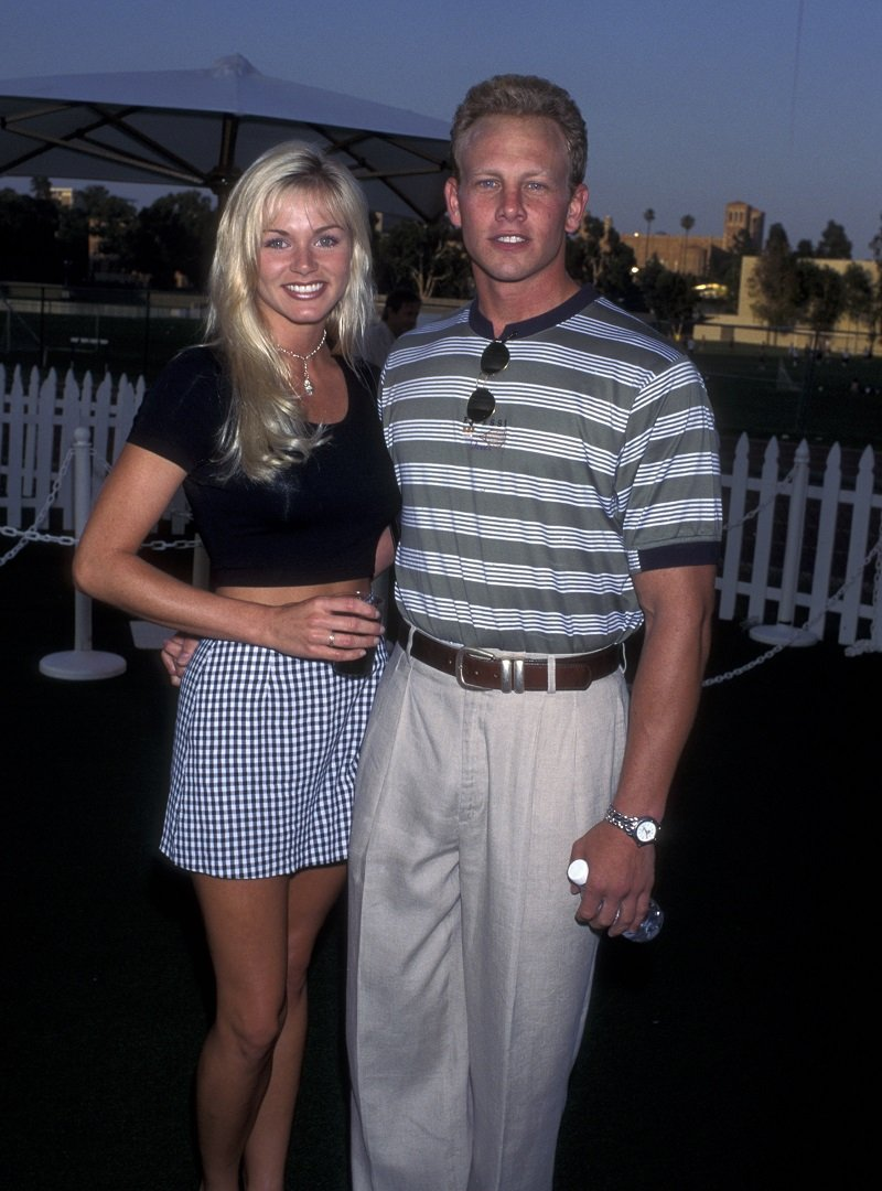 Ian Ziering and Nikki Schieler in Westwood on July 31, 1995 | Photo: Getty Images
