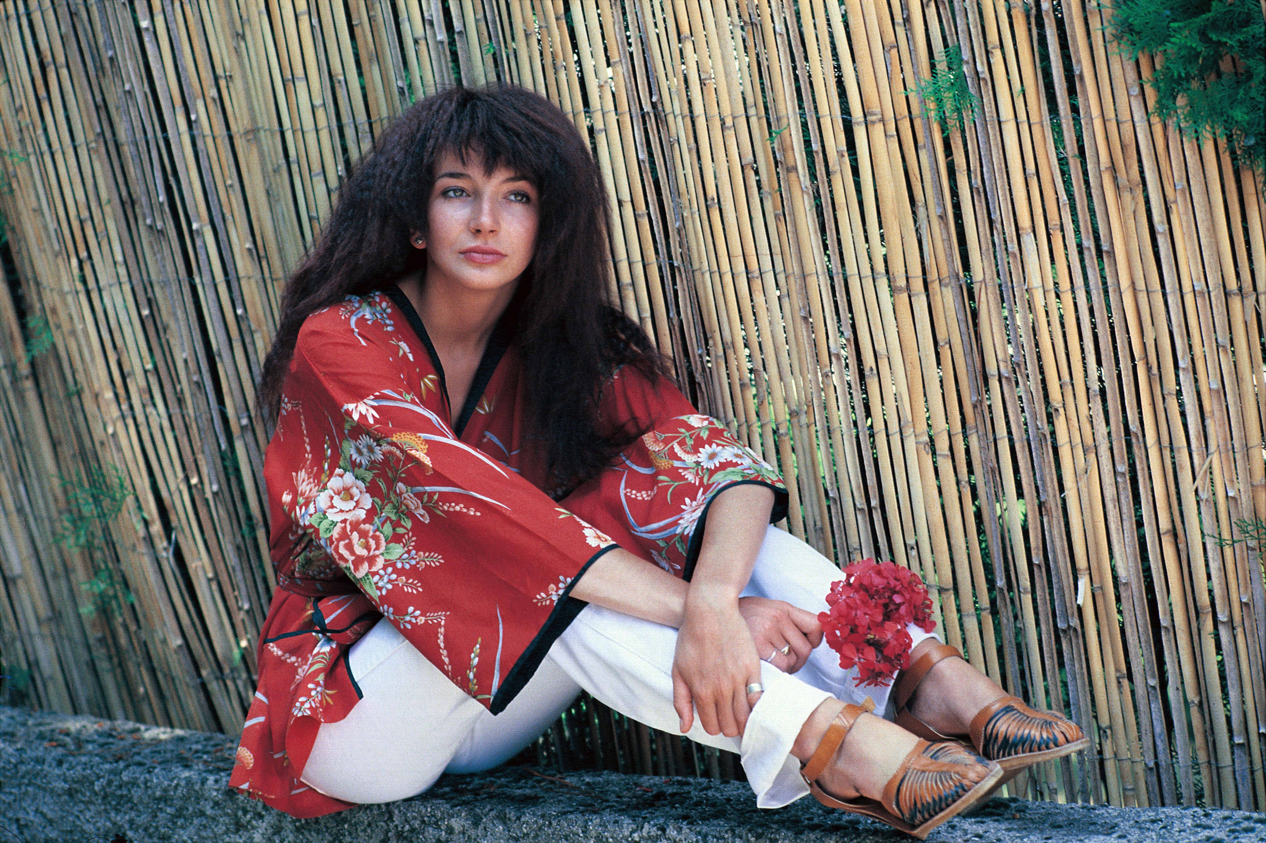 Kate Bush poses for a shoot in Italy in 1978 | Photo: Getty Images