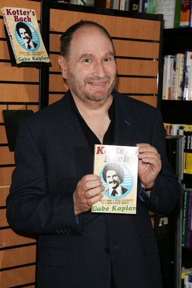 """abe Kaplan at Barnes and Noble to promote his new book """"Kotter's Back"""" July 2, 2007 