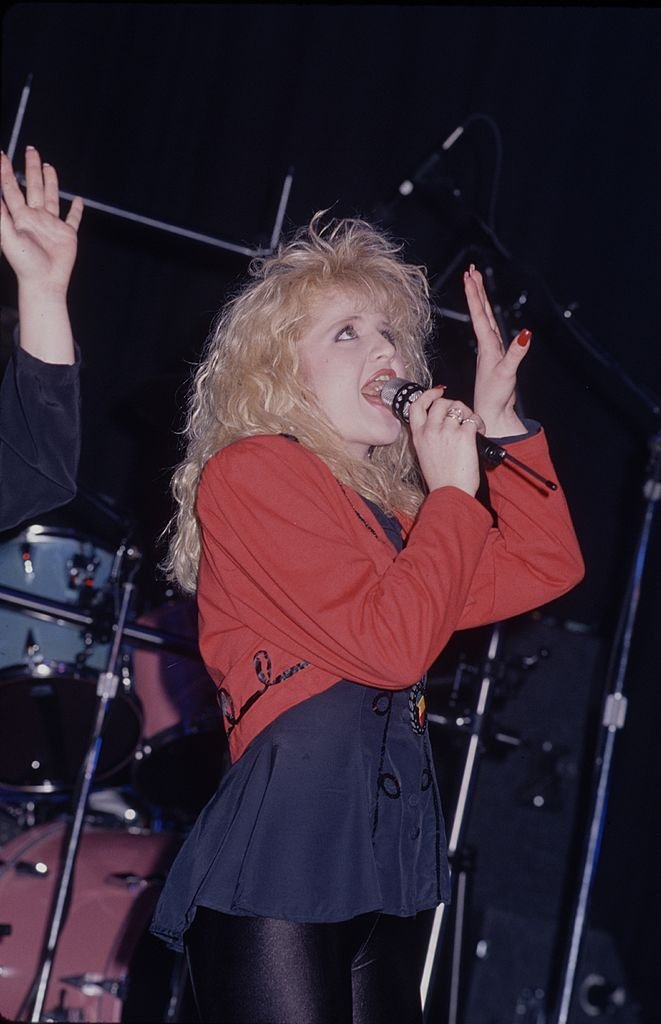 Tina Yothers on stage, March 1990 | Photo: GettyImages