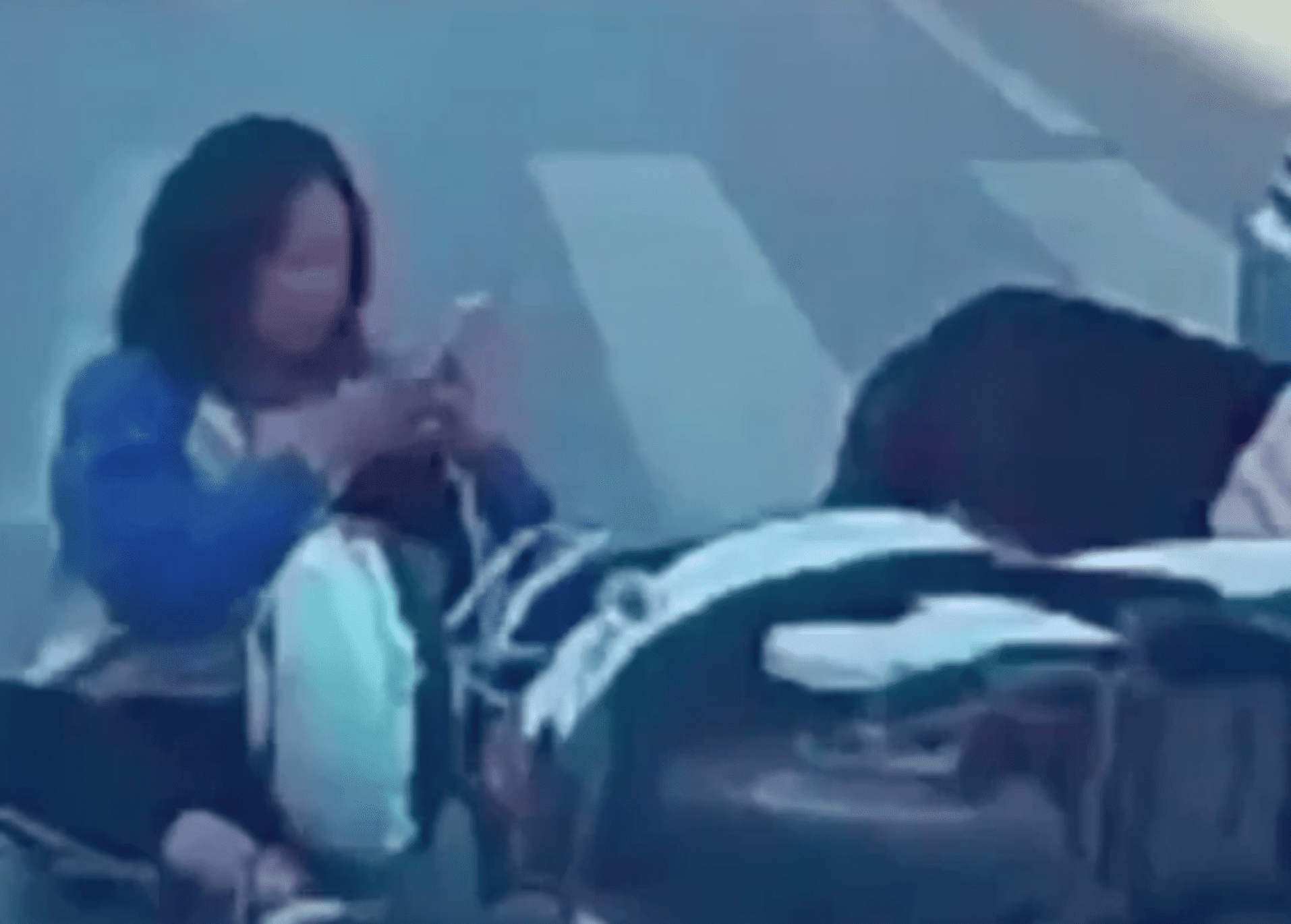 Woman texts in the middle of an accident scene   Photo: Reddit/Whatcouldgowrong