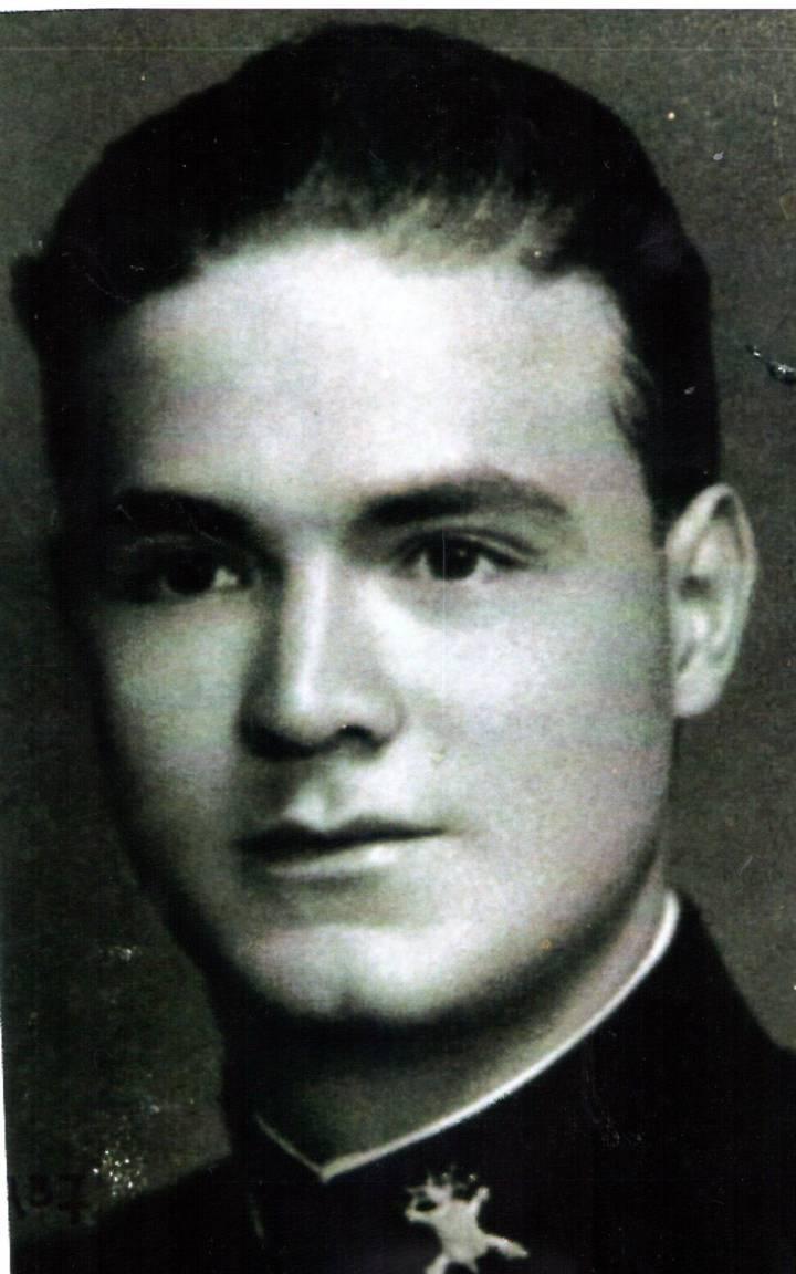 José Pablo Félix, en una imagen tomada durante su formación militar. | Foto: Colegio Militar de Popotla