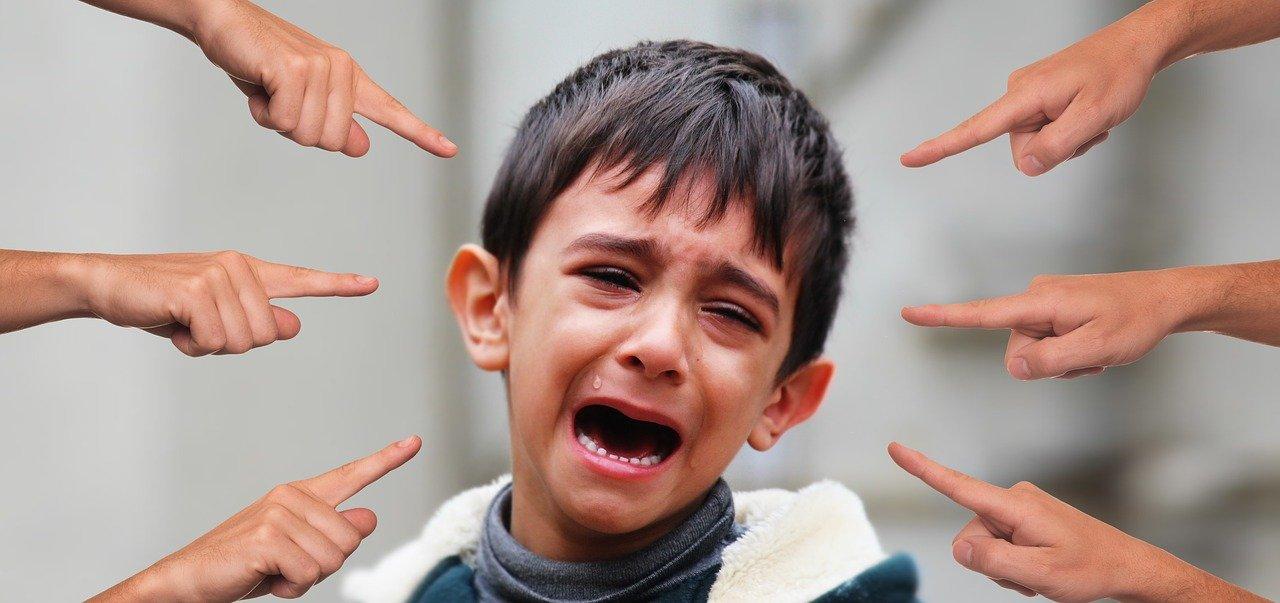 Niño siendo acosado / Imagen tomada de: Pixabay