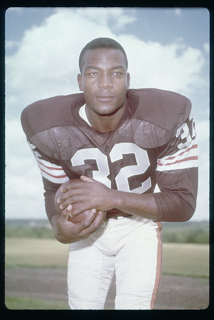 Jim Brown #32 of the Cleveland Browns late circa 1950's. Brown played for the Browns from 1957-1965. I Image: Getty Images.