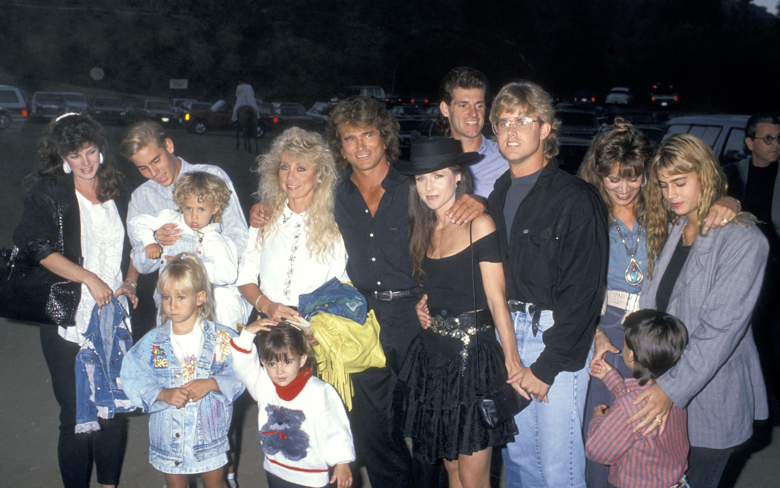 Michael Landon and his children at Third Annual Moonlight Roundup Benefiting Free Arts for Abused Children in Malibu, in 1989 | Source: Getty Images