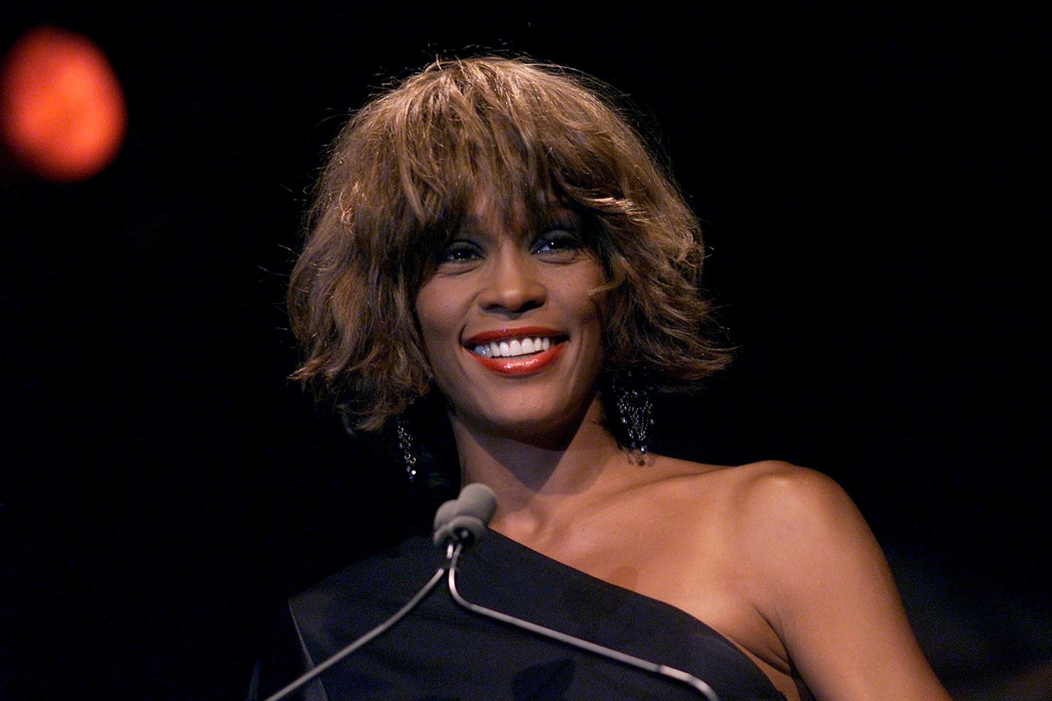 Whitney Houston at the Songwriters Hall of Fame 32nd Annual Awards in New York City in 2001 | Source: Getty Images